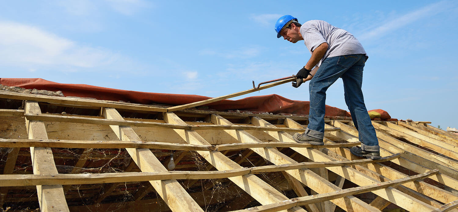 Solve the Roofing Issues by Hiring the Best Roofer